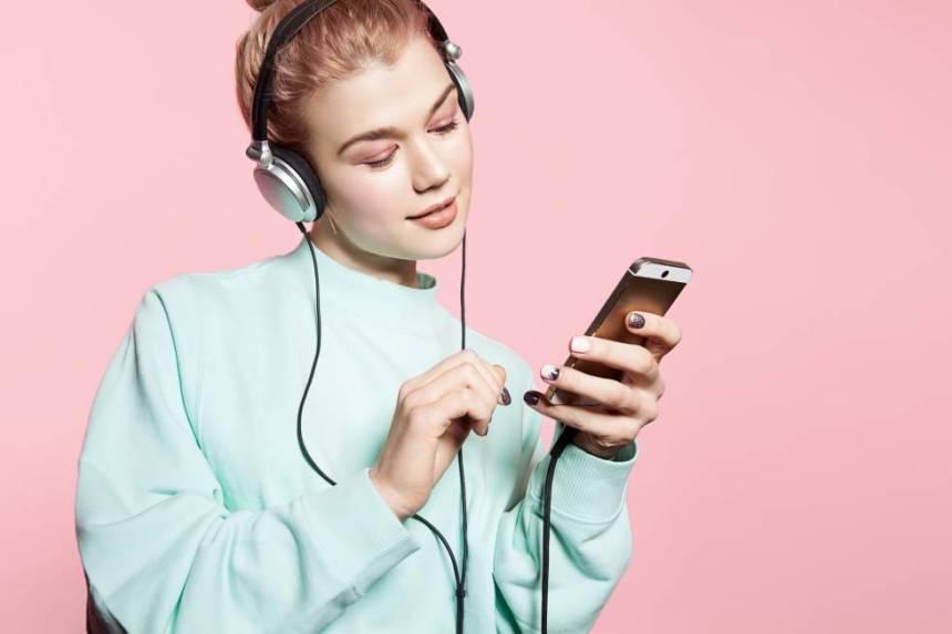 Resultado de imagen para escuchar musica