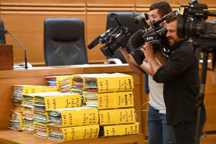 El sumario de caso que se juzga en Bouches-du-Rhone, en Aix-en-Provence, Francia.