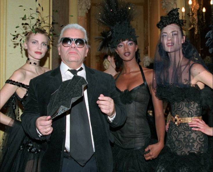 Karl Lagerfeld, con Nadja Auermann y Naomi Campbell-