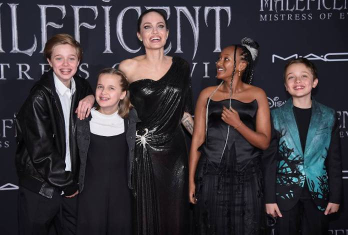 Angelina Jolie with Shiloh Nouvel Jolie-Pitt, Vivienne Marcheline Jolie-Pitt, Zahara Marley Jolie-Pitt and Knox Leon Jolie-Pitt.