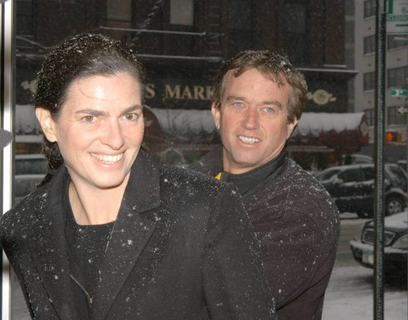Mary Richardson Kennedy with her husband Robert Kennedy Jr. in 2003. The architect committed suicide in 2012, two years after divorcing Robert.