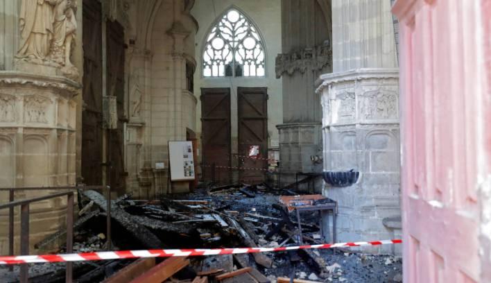 Fotos: El incendio en la catedral de Nantes, en imágenes | Cultura ...