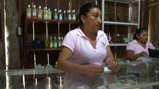 Mujeres de Maya Dzak, Yum Balam, México