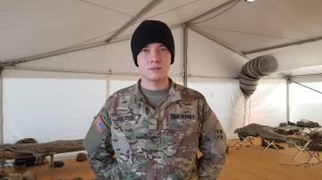 Eddie Melton, un soldado de Arizona desplegado en el este de Europa bajo el mando de la OTAN.