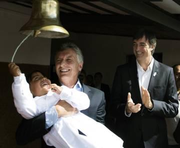 Macri y su ministro de Educación, Esteban Bullrich, abren el ciclo lectivo en Jujuy.
