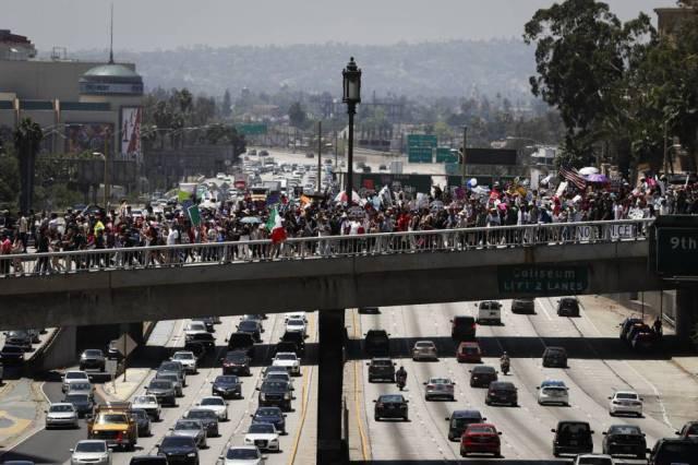 La manifestación de Los Ángeles, sobre la autopista 110.