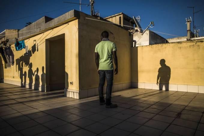 El nigeriano Ammar, de 17 años, vivió dos meses en un centro de inmigrantes controlado por la 'Ndrangheta en Calabria