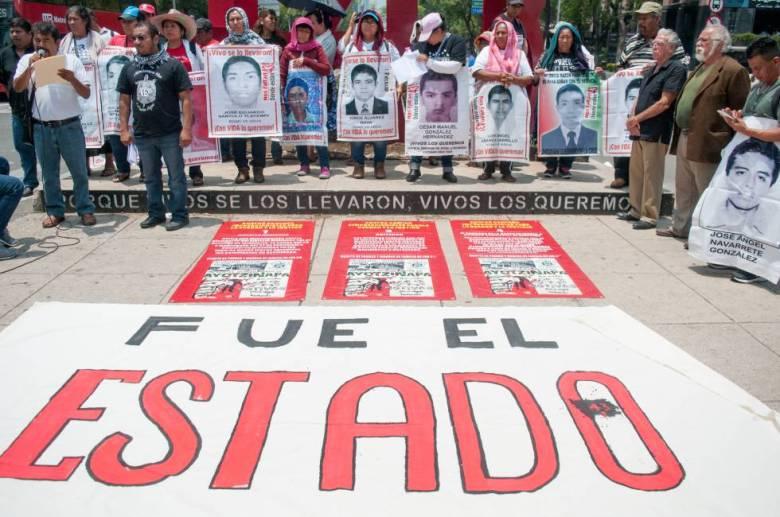 Una protesta por los 43 estudiantes de Ayotzinapa.