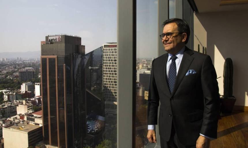 El titular de Economía mexicano, Ildefonso Guajardo, en su despacho.