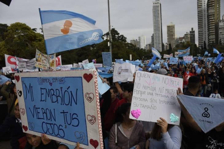 Marcha en Rosario contra el aborto, el 10 de junio.
