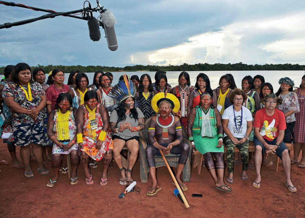 """Amazonia . """"Denunciamos que el Gobierno Bolsonaro tiene en marcha un proyecto político de genocidio, etnocidio y ecocidio"""": líderes indígenas"""