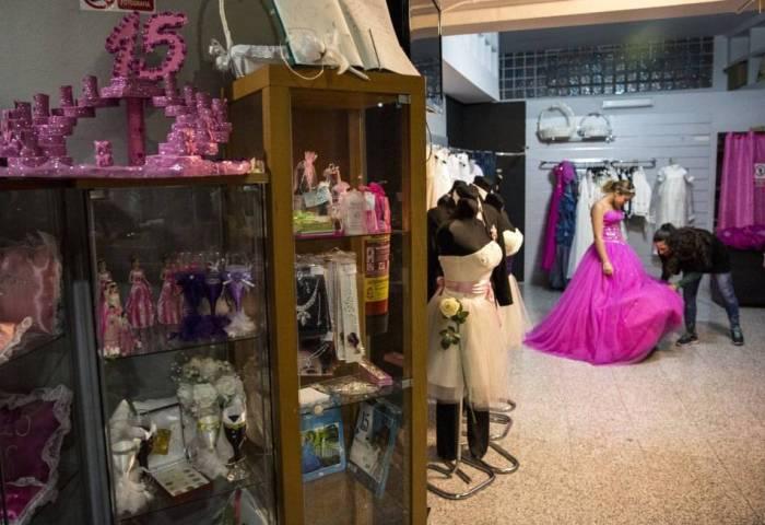 Quinceañera Las Fiestas Latinas De 15 Años Arrasan En España