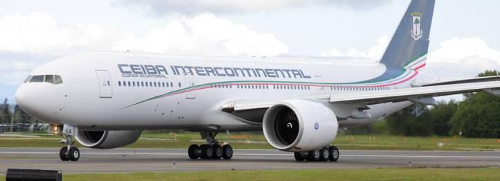 El Boeing 777 de la compañía ecuatoguineana Ceiba.