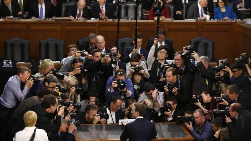 Mark Zuckerberg antes de comparecer ao Senado.