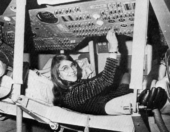 Hamilton trabajando en el Proyecto Apolo