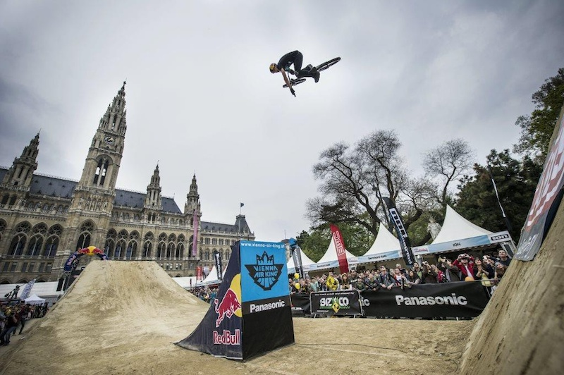 Szymon Godziek performs at the Vienna Air King in Vienna Austria on April 6th 2014 Stefan Voitl Red Bull Content Pool P-20140407-00035 Usage for editorial use only Please go to www.redbullcontentpool.com for further information.
