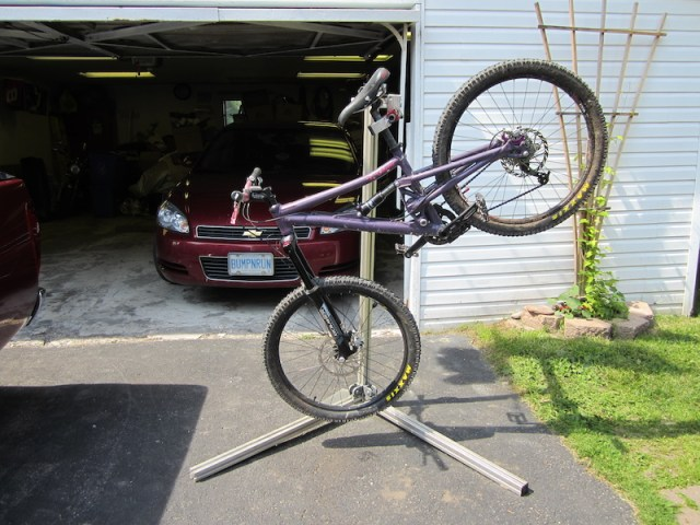 How To Build Your Own Bicycle Repair Stand | hobbiesxstyle