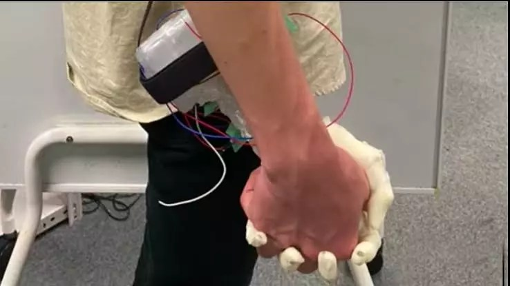 Japanese Engineers Designs Robot That Holds Your Hand When You Are Feeling Lonely