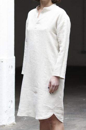 Платье-рубашка с воротником-стойкой