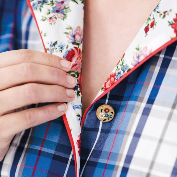 Блузка в пижамном стиле