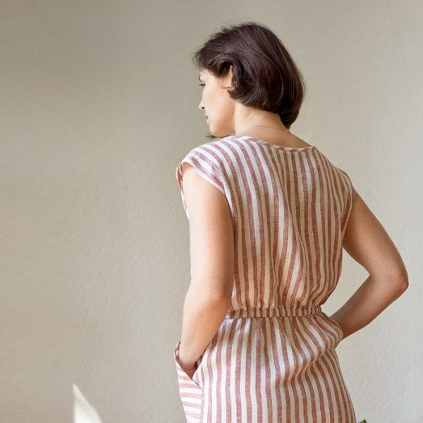 Платье с ложным запахом