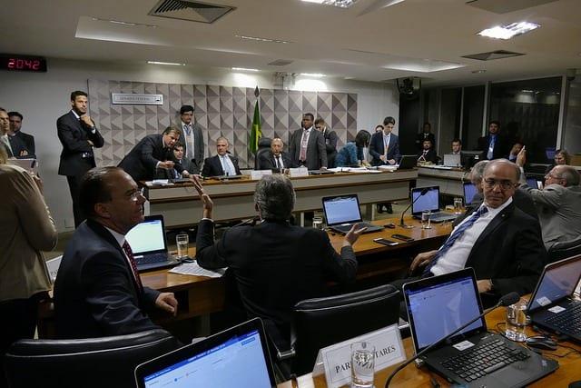 Comissão Mista da Medida Provisória (CMMPV) nº 795 de 2017, que muda tributação do setor petrolífero, realiza reunião deliberativa para apreciação de relatório. Foto: Roque Sá/Agência Senado