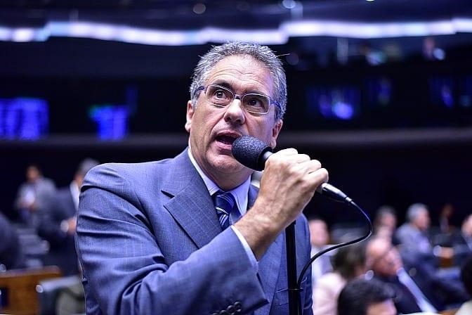O deputado Carlos Zarattini quer convocar o secretário da Receita Federal para discutir a MP 795 - Foto: Zeca Ribeiro - Câmara dos Deputados
