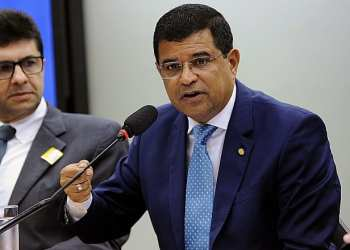 O deputado Davidson Magalhães apresentou emendas para criar programa incentivando o uso do gás como matéria-prima - Agência Câmara