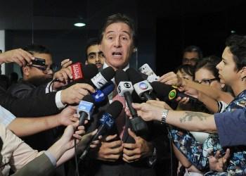 Senador Eunício Oliveira (PMDB-CE) concede entrevista nas dependências do Senado. Foto: Jane de Araújo/Agência Senado