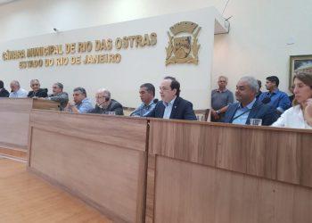Reunião na Câmara Municipal de Rio das Ostras, no norte do Rio, nesta sexta-feira