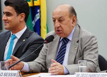 O deputado Simão Sessim (PP/RJ), relator do projeto, destacou a importância de termos um combustível renovável para a aviação brasileira