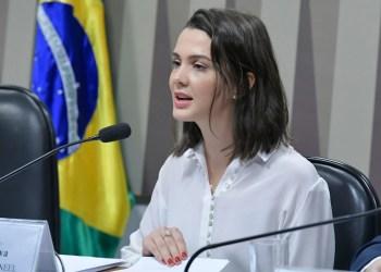 Indicada para exercer o cargo de diretora da Aneel, Elisa Bastos Silva, em sabatina no Senado