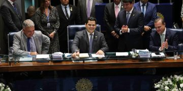 Senador Davi Alcolumbre (DEM), novo presidente do Senado, confirmou que seu partido terá a presidência da Comissão de Serviços de Infraestrutura / Foto: Agência Brasil
