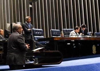 Em discurso, à tribuna, senador Paulo Paim (PT-RS). Foto: Jefferson Rudy/Agência Senado