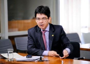 O líder da oposição no Senado, Randolfe Rodrigues (REDE/AP) / Foto: Agência Senado