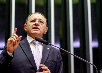Benes Leocário (PRB/RN), apresenta nessa quarta, 24, relatório do PL 10985/2018 contrário à criação do Brasduto / Foto: Agência Câmara