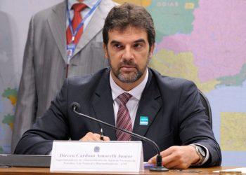 Comissão de Serviços de Infraestrutura (CI) debate em audiência pública a falta de combustível que atinge o Amapá nas últimas semanas.  Mesa: Superintendente de Abastecimento da Agência Nacional do Petróleo, Gás Natural e Biocombustíveis (ANP), Dirceu Cardoso Amorelli Junior.