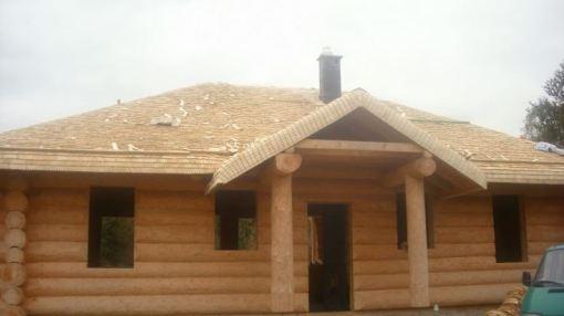 Dach w nowym domu z bala