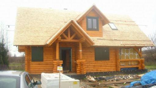 Dach na domu z bala
