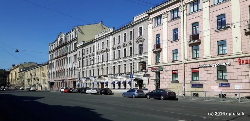 Pietarin katu jossa hotellimme sijaitsi, Zvenigorodskaya ul