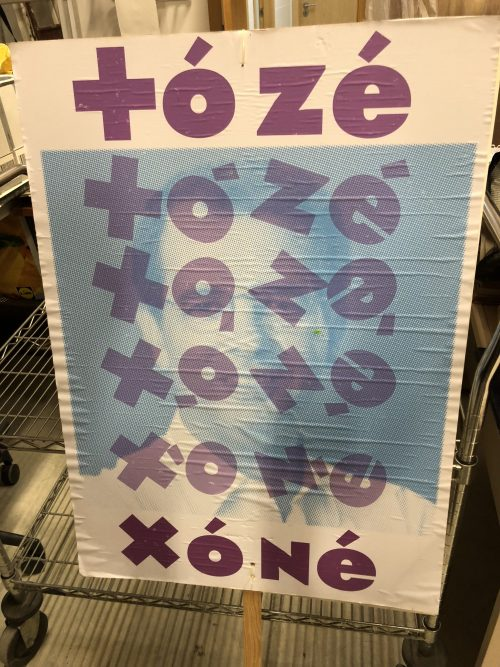7ecbaeb13 Parte desses cartazes foram feitos na Oficina Popular da Faculdade de  Arquitectura de Lisboa