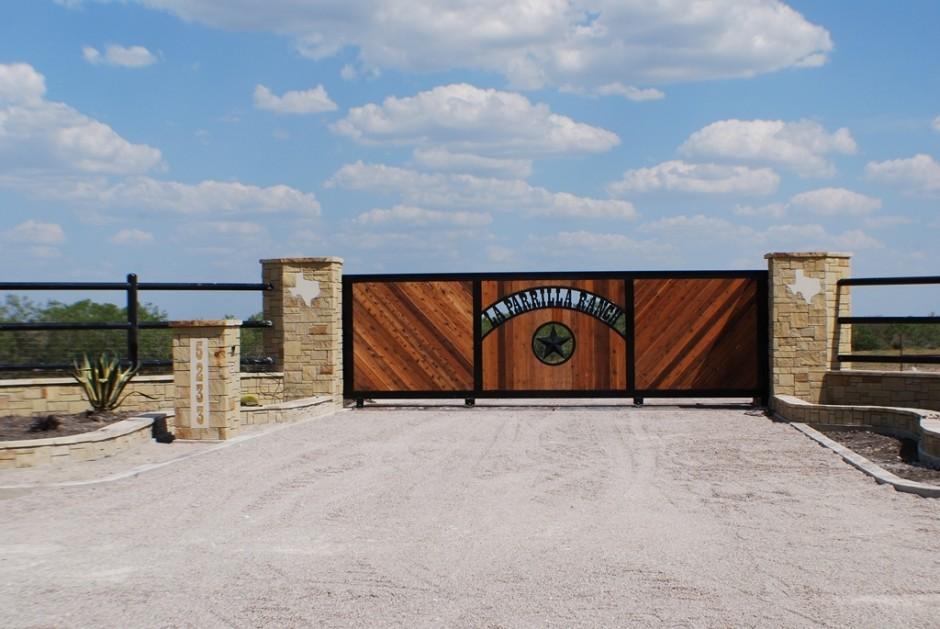 Signange - Custom Gate