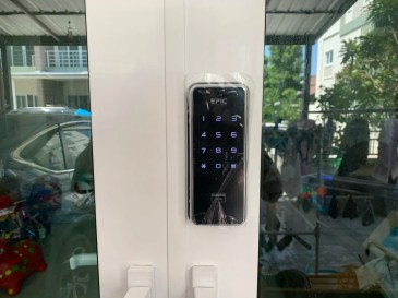 DIGITAL DOOR LOCK สำหรับประตูบานเลื่อนแบบ uPVC เลื่อนชิดกลาง