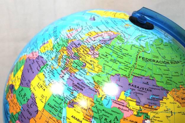 Cuáles son las líneas imaginarias que dividen el Planeta