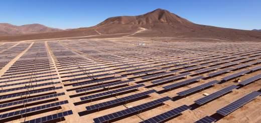 paneles solares generacion energia atacama desierto chile