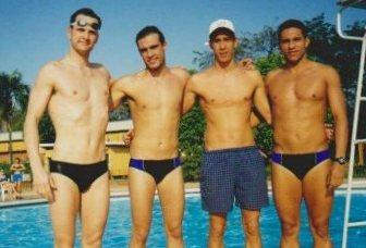 Eu, Léo, Chuchu e Malaquias. Essa foto foi tirada em Araçatuba na disputado dos Jogos Abertos. Infelizmente não temos fotos de Matão.