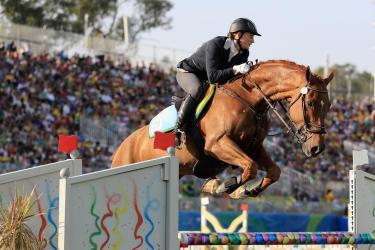 Russa na equitação, foto do site oficial