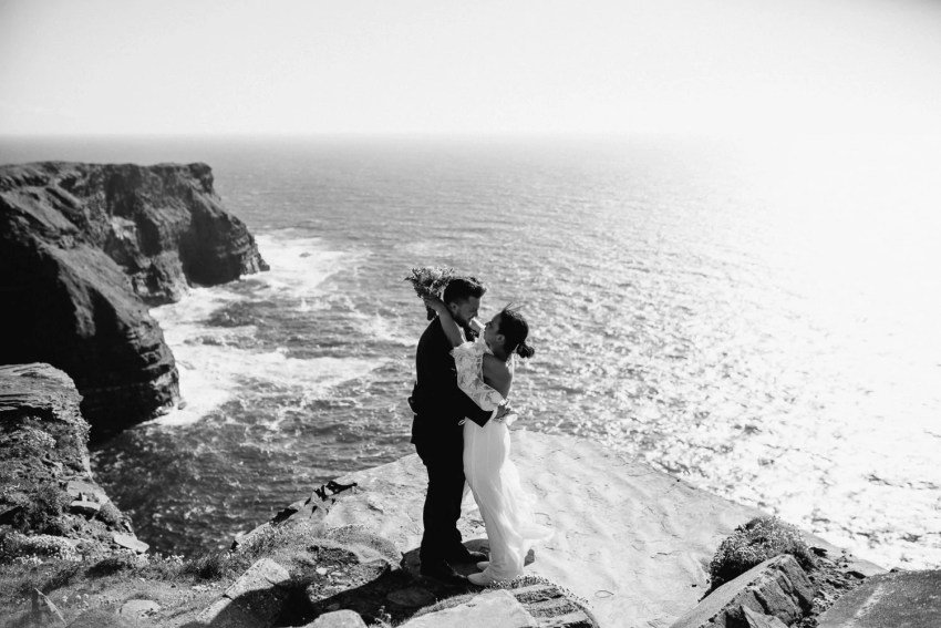 Cliffs Of Moher Elopement_0041.jpg