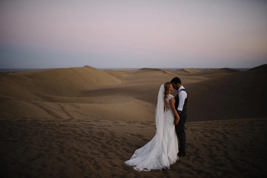 Desert wedding portraits Gran Canaria wedding photographer