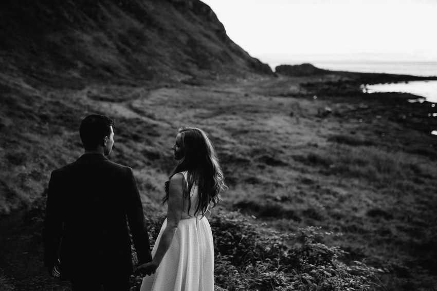 Elopement Giants Causeway Engagement_0035.jpg